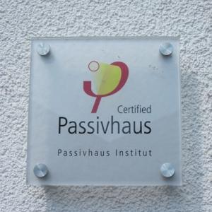 certified passivhaus institute plaque