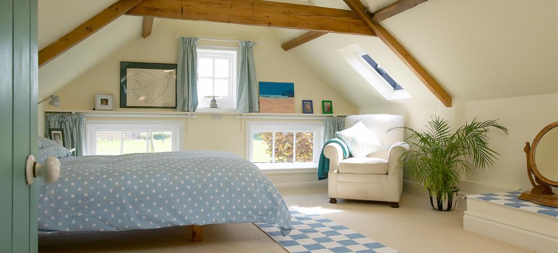 School-House-Harton-Yorkshire-Eco-Renovation-3-1100x500