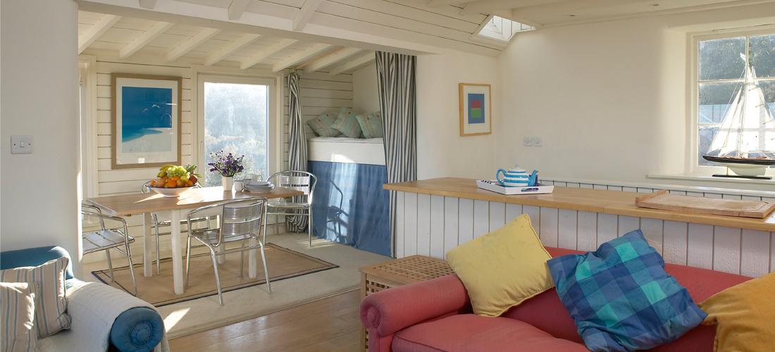 Runswick-Bay-Beach-House-5-1100x500