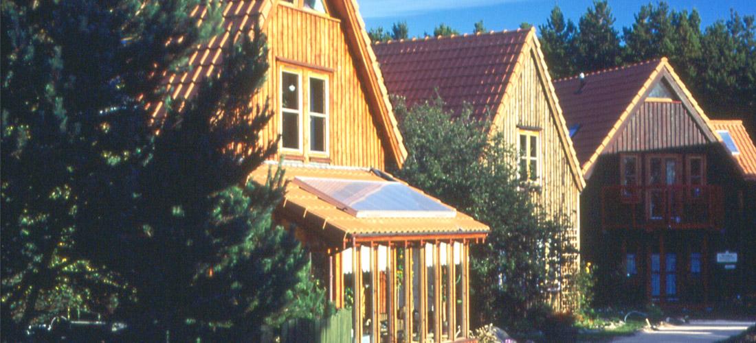 Findhorn-Eco-Village-10-1100x500